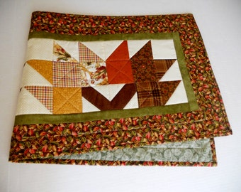 Fall Autumn Quilted Table Runner with Leaf Pattern,  Patchwork Quilted Table Topper, Rustic Fall Leaves, Table Quilt, Thanksgiving Table