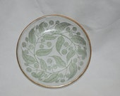 Cute Vintage gold trimmed floral dishes 4 inches round