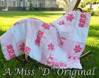 """VINTAGE CHENILLE THROW Cotton Candy Pink Girly Curly Cues 34"""" x46"""""""