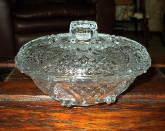 Vintage Pressed Glass Hearts & Roses Covered Dish Bowl Clear Ornate Serving Candy Mints Fruit Vintage