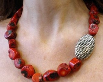 Red Coral Necklace, Red Stones Necklace, Red Statement Necklace, Red and Grey Necklace, Oxidized Silver Piece, Red Chunky Necklace, Coral.