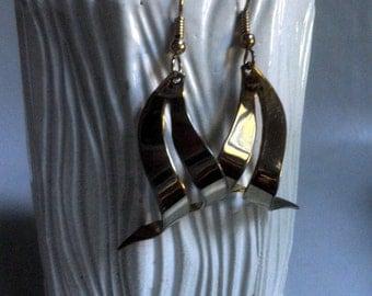 1980's dangle Earrings, golden waves