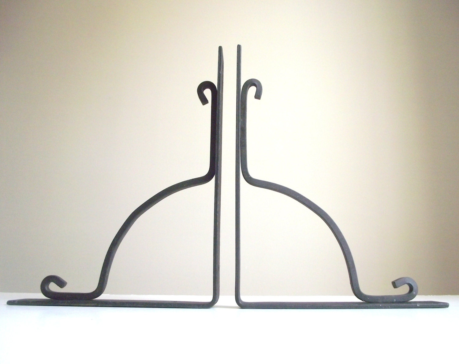 wrought iron shelf brackets pair black iron brackets. Black Bedroom Furniture Sets. Home Design Ideas