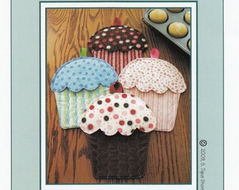 Hot Cakes! Cupcake Oven Mitts Hot Pads Potholder Pattern by Susie C. Shore Designs ST935