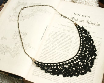 black lace necklace -SYLENE- black