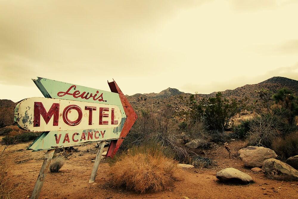 Vintage Motel 90