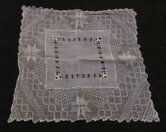 Antique Ivory Wide Drawn Lace Wedding Hankie