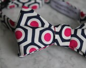 Men's Bow Tie in Pink and Navy Honycomb - Self tying, pre-tied adjustable strap or clip on - Groomsmen attire