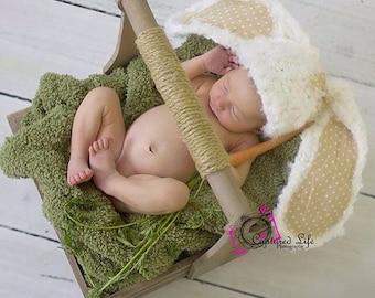 Crochet chunky floppy ears  Bunny hat. Pearl white. Animal hat. Cos Play.