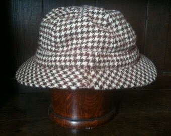 Vintage Houndstooth Cap Hat / English Shop