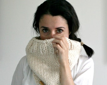 Knit Chunky Cowl Scarf, Ribbed Cowl // Fisherman // THE ALMONTE