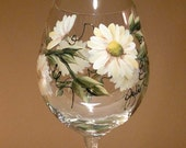 Hand Painted Wine Glass - Daisies