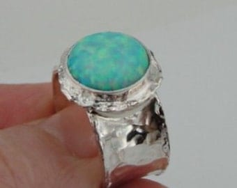 Beautiful Sterling Silver Opal Ring size 7.5 (I r137sil)