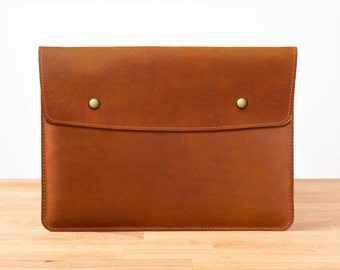 "15"" MacBook Pro with Retina Display - Leather Sleeve Case in Brown"