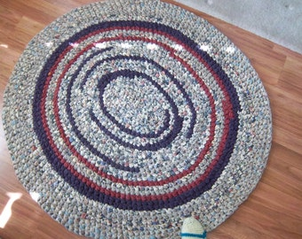 "Crocheted Rag Rug 50"" x 46"" Plum Paprika Red Floral"