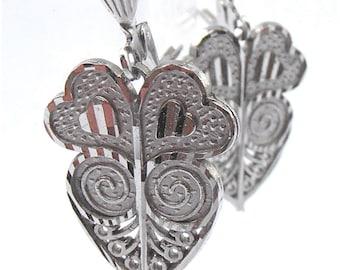 Vintage Heart Silver Tone Earrings Filigree Lace Textured Shiny Dangling Dangle Ornate Ornamental Curlicues Costume Jewellry Fancy Jewelry