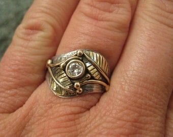 Wedding Ring-  Mixed Metals and Conflict Free Diamond