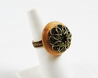 Handmade and Vintage - New Button Ring Wood and Green Stone