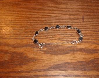 vintaGe bracelet silvertone black glass