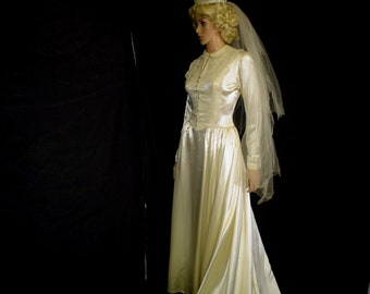 50s L Miriam Originals Satin & Lace Bridal Wedding Gown Dress Cathedral Train Candlelight White