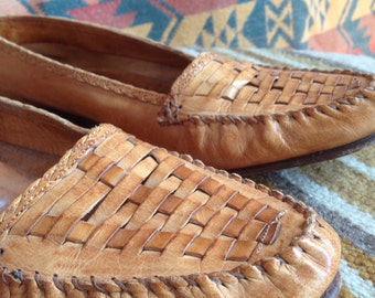 Vintage ladies hand made Cole Haan woven flats.