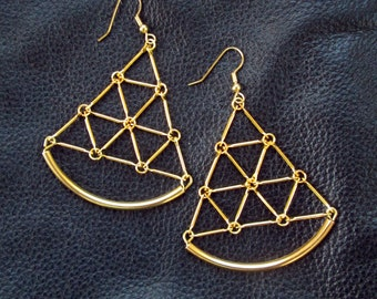 Geometric goldtone earrings, modern geo jewelry, triangular earrings, triangles, link grid, sector earrings