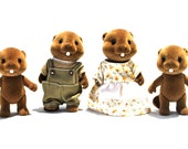 Slyvanian Beaver Family Flocked Set of 4