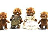 Slyvanian Beaver Family Flocked Set of 4