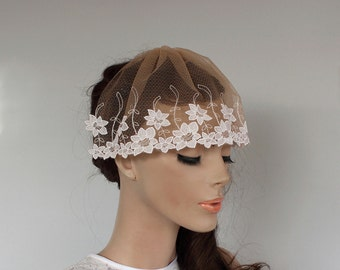 Bridal Veil Blusher, Unusual Weddings Fascinator Head Piece, Tan Color, White Daffodil Embroidered Holy First Communion Veil Unique Design.