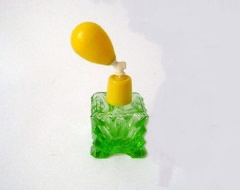 Vintage Perfume Atomizer Lemon Lime Green Glass
