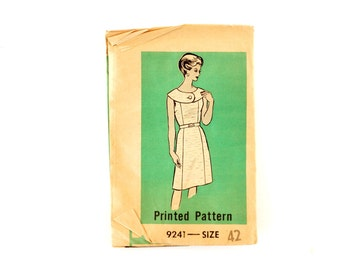 Vintage Women's Sleeveless Dress with Button Collar Mail Order Pattern 9241, Complete (Size 42) (c.1950s) - Collectible, Sewing, Plus Size