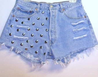 LEVIS high waisted studded denim Shorts Waist 29 inches