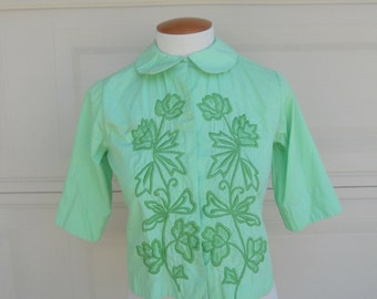 SALE Vintage 1960s Crop Top Green Embroidered Shirt . XS, S