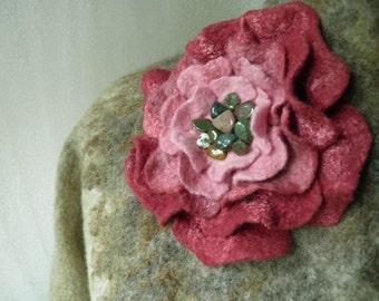 Wet felted brooch, Rose, Wet felted flower pin, Large felt brooch rose, Felt corsage in wine red to blush pink, Felted rose