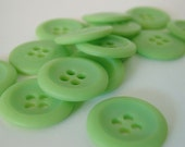 FIFTEEN Vintage Mint Pastel GREEN Four Hole Round Buttons - KonniesPlace