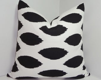 Pillow Cover Black & White Ikat Chipper Decorative Pillow Cover Size 20x20