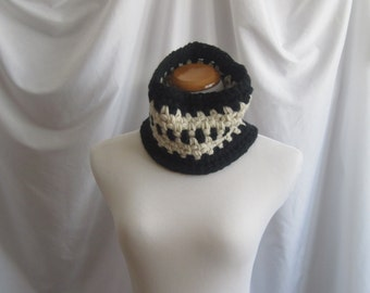 Cowl Chunky Neckwarmer Crochet:  Black and Creamy Off White