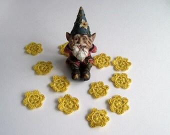 12 Crochet Flowers Mini - Sunny Yellow - Set of 12