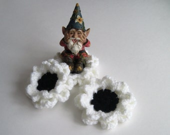 3 Crochet Flower Appliques - Black and White - Set of 3 - Large