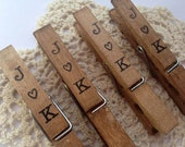 50 Vintage Wedding Clothespins. Anthropologie. Personalized. Escort Card. Place Card Holder. Vintage Shabby. Rustic. Table Place Card. Peg.
