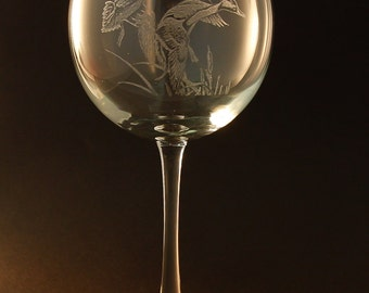 Etched Ducks on Large Elegant Wine Glass (set of 2)
