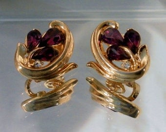 Vintage Crown Trifari Teardrop Amethyst w Accent Clear Crystal Clip Earrings.  Gold Tone Mid Century.  Very Nice.