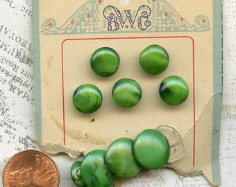 Striking Emerald Green Glass Buttons ~ Antique Set of 9 on Original BW Co Card ~ 3/8 inch & 1/2 inch or 10mm and 13mm ~ Old Sewing Buttons