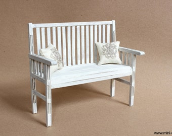1/6 scale Rustic Bench Wood Shabby cottage chic White with 2 pillows for Fashion dolls Blythe, Barbie, BJD, Pullip, Obitsu, Momoko
