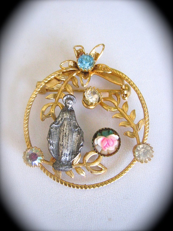 "Stunning Vintage Sparkly 50""s VIRGIN MARY  Brooch- A Rare collectible"