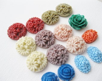 Large lot of vintage and new plastic cabochons. Flatback. Various sizes. 18x13, 15mm, 20mm. Floral.