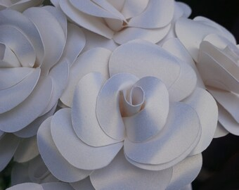Roses- Shimmer white - Set of 12 - Stems Included - Handmade Paper Flowers