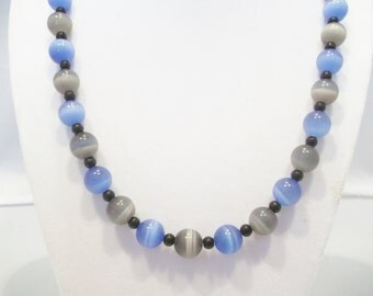 Handmade Jewelry, Beaded Necklace, Blue Grey Necklace, Cats Eye Jewelry, Sapphire Jewelry, Sapphire Grey Cat's Eye Beaded Necklace, Beadwork