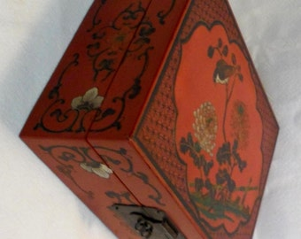 Vintage Chinese Wood Jewelry Box Organizer/Chinese Boxes/Asian Decor/Home Decor 1950s