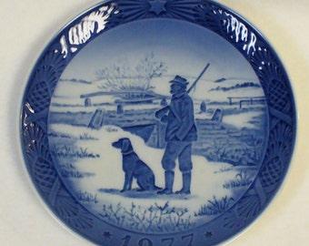 ROYAL COPENHAGEN PLATE Porcelain Collectors Blue White Denmark1977 Immervald Bridge Hunter Dog
